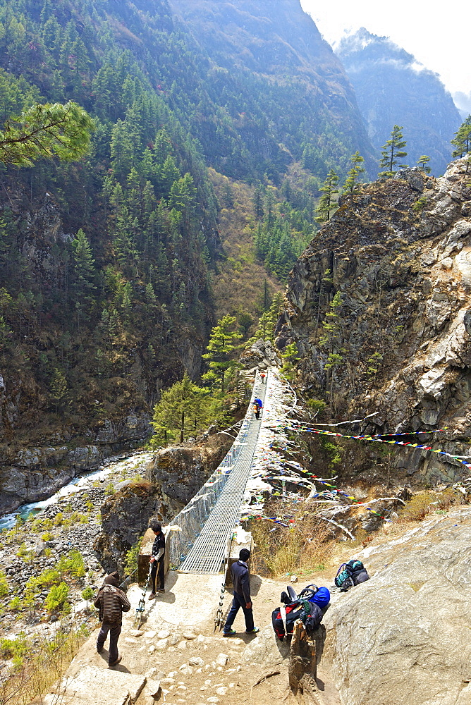 Suspension bridge crossing Kyashar Khola, with Dudh Koshi river, Monjo, Everest Base Camp Trek, Solukhumbu, Nepal, Himalayas, Asia