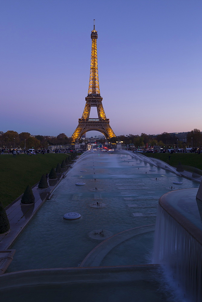 Eiffel Tower in the evening, Paris, France, Europe - 831-1519