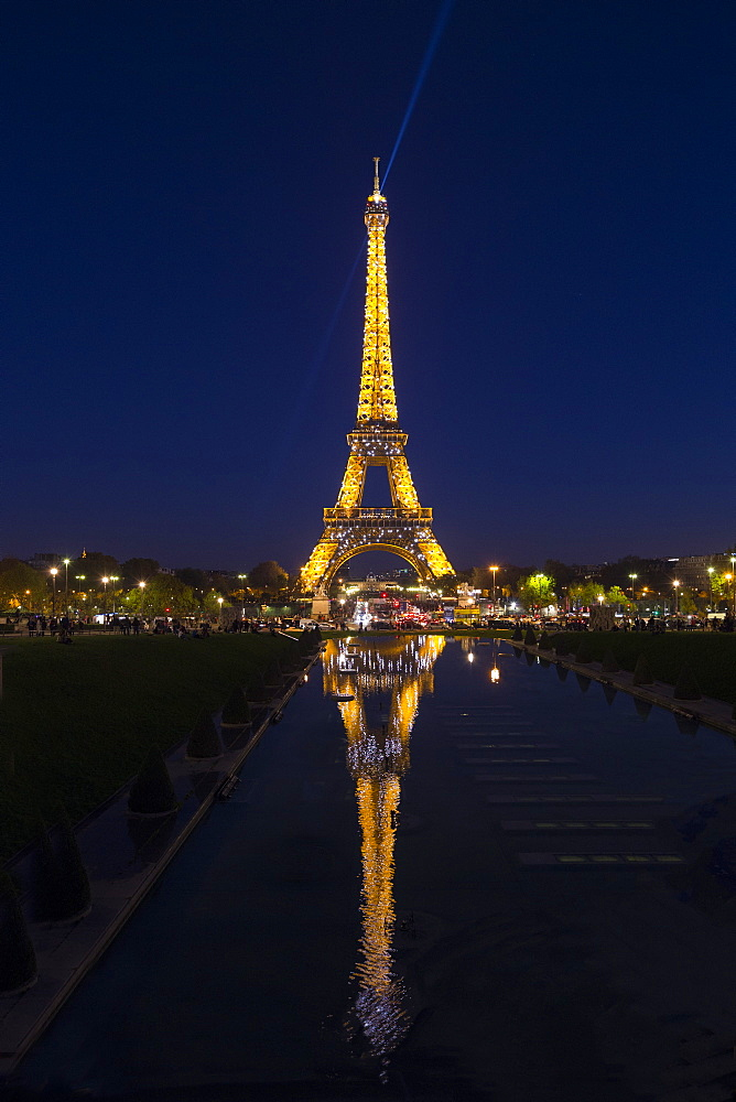 Eiffel Tower in the evening, Paris, France, Europe - 831-1521