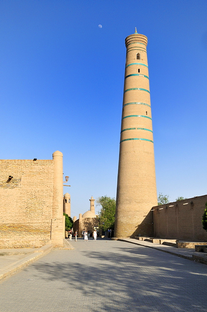 Minaret of the Djuma, Juma Mosque the historic adobe town of Khiva, Chiva, Ichan kala, Unesco World Heritage Site, Uzbekistan, Central Asia
