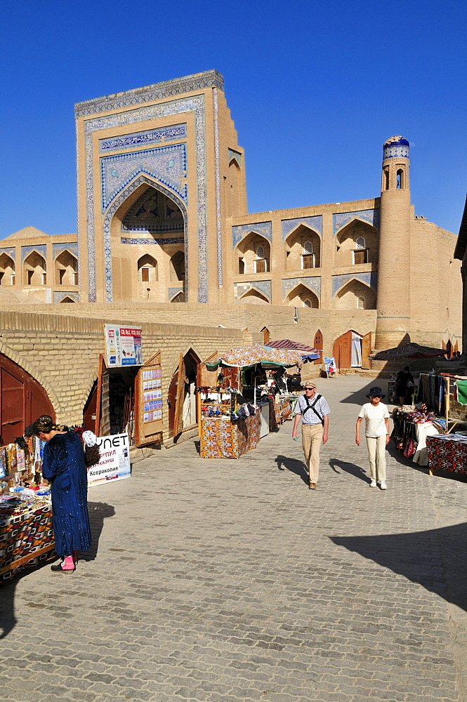 Allaquli Khan Madrassah, historic adobe town of Khiva, Chiva, Ichan Kala, Silk Road, Unesco World Heritage Site, Uzbekistan, Central Asia