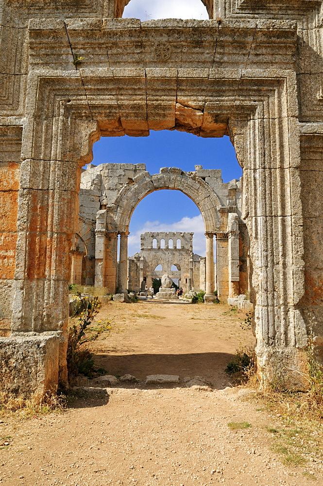 Ruin of Saint Simeon Monastery, Qala'at Samaan, Qalaat Seman archeological site, Dead Cities, Syria, Middle East, West Asia