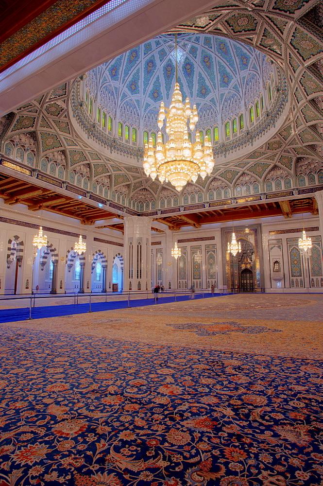 Prayer room for men, Sultan Quaboos Grand Mosque, Capital Area, Oman, Middle East