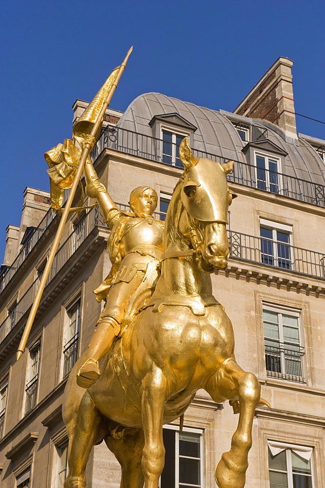 Jeanne díArc statue, Rivoli Street, Paris, France, Europe