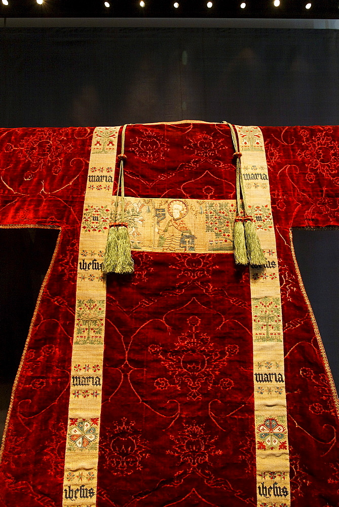 Precious embroidered chasuble, historical liturgical garment, Stiftsmuseum Museum Xanten monastery museum, Xanten, Niederrhein region, North Rhine-Westphalia, Germany, Europe