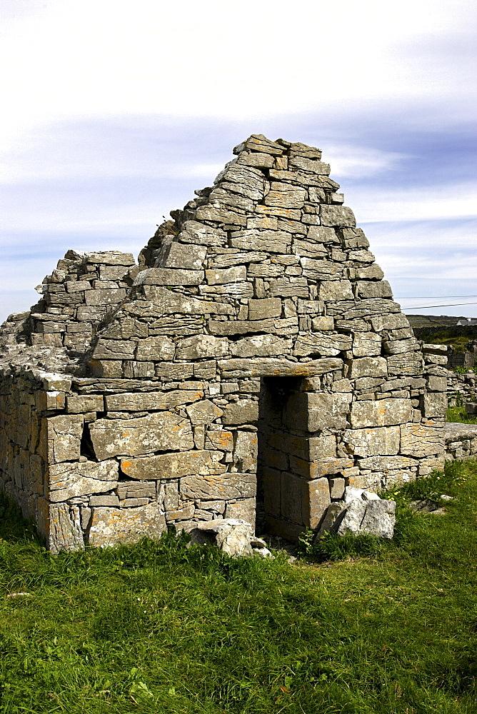 Cill Ghobnait, 8th century, church ruin, Inishere Island, Republic of Ireland, Europe