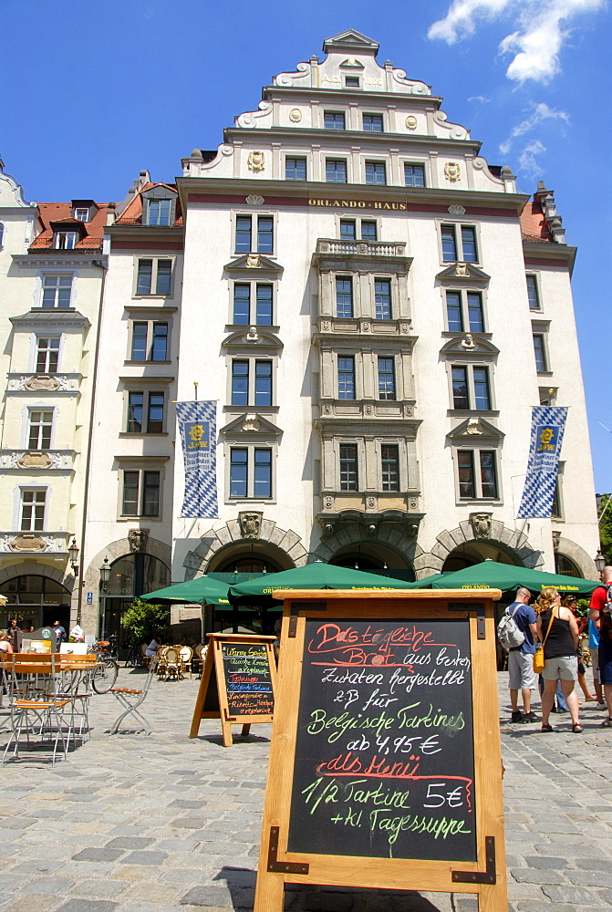 Orlando-Haus building on the Platzl, square with restaurant and menu on blackboard, downtown, old town, Munich, capital, Upper Bavaria, Bavaria, Germany, Europe