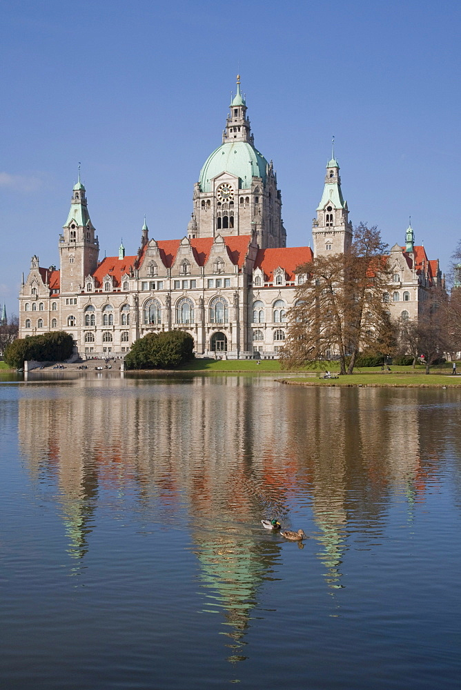Maschteich pond in the Maschpark park, new town hall, Hannover, Lower Saxony, Germany, Europe
