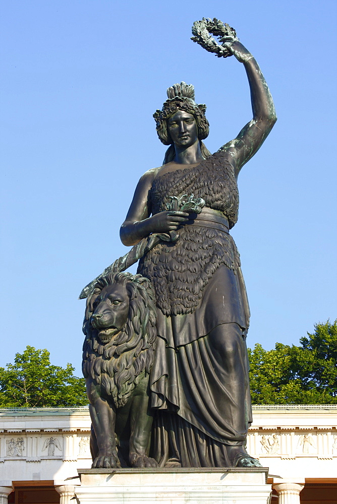 Statue of Bavaria in front of the Hall of Fame, Munich, Bavaria, Germany, Europe