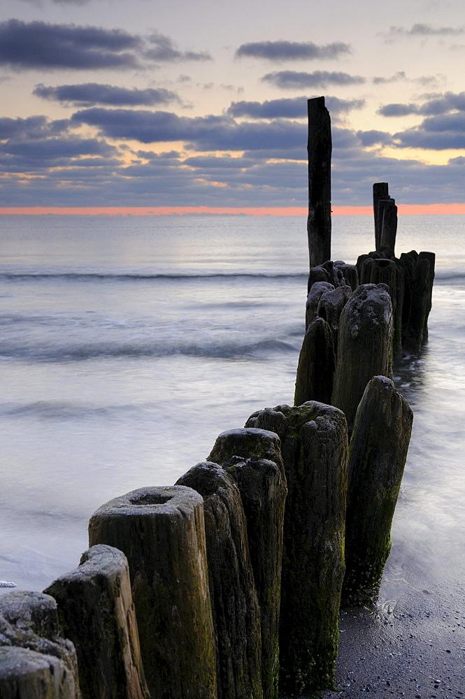 Groynes on the Baltic coast, Ruegen island, Mecklenburg-Western Pomerania, Germany, Europe