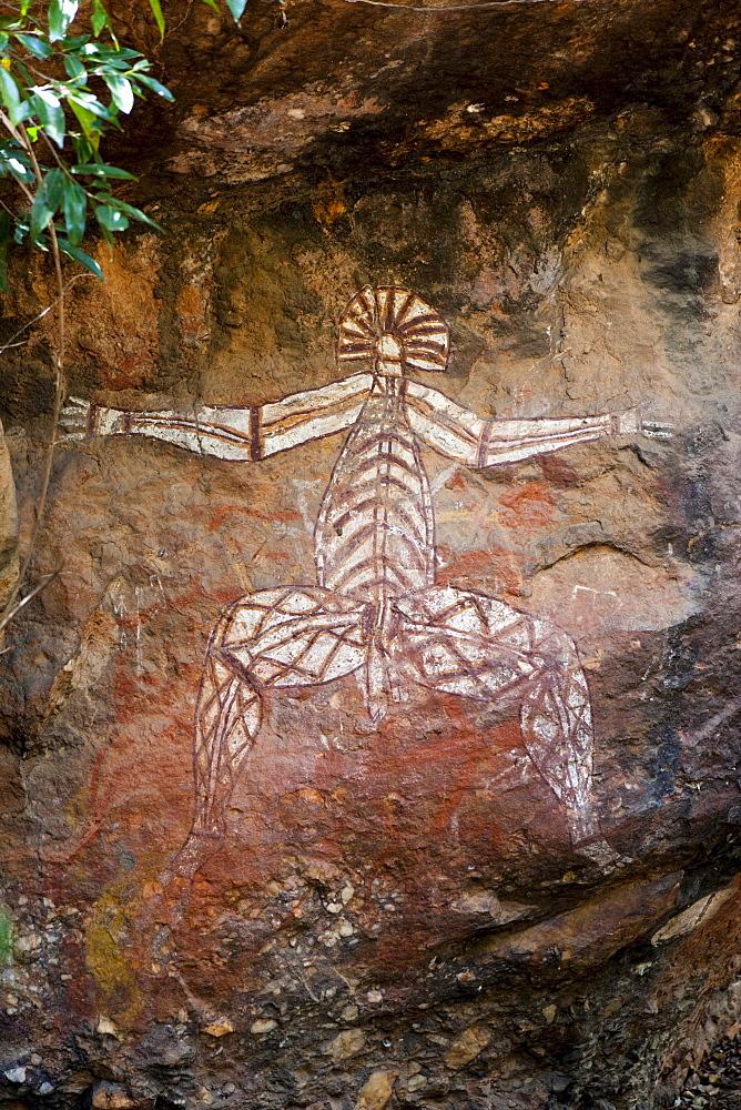 Aboriginal rock carvings, Nabulwinjbulwinj, Nourlangie Rock, Kakadu National Park, Northern Territory, Australia