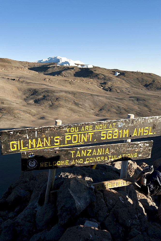 Trekking, mountain climbing, sign at the summit of Gilman's Point, stepped glacier on the crater rim, Kilimanjaro, Marangu Route, Tanzania, East Africa, Africa