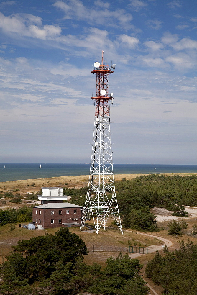 Radio and transmission tower, Darss, Nationalpark Vorpommersche Boddenlandschaft national park, Fischland-Darss-Zingst peninsula, Mecklenburg-Western Pomerania, Germany, Europe
