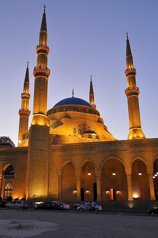 Illuminated Al Amine Mosque in Beirut, Beyrouth, Lebanon, Middle East, West Asia