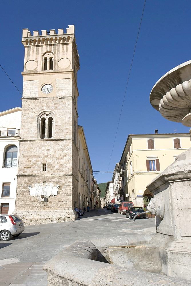 "Perspective view, from Piazza del Popolo, of the Torre Municipale, Civic Tower, year 1580, ""Fontana Pubblica"", public fountain, 16th century, and corso Mazzini, Cittaducale, province of Rieti, Latium, Italy, Europe"