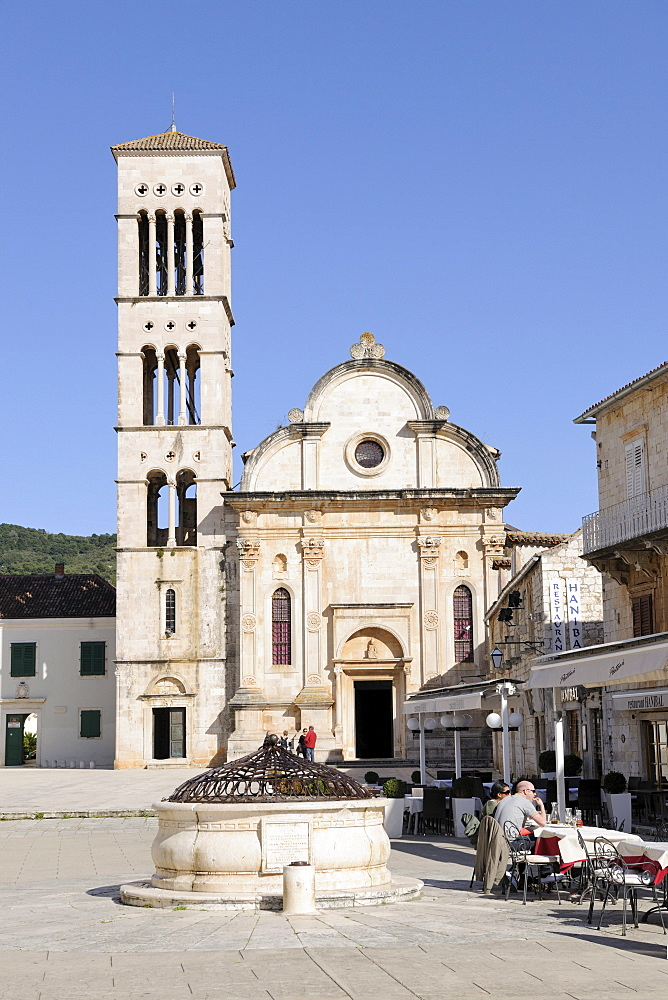 Trg Sv Stjepana, St. Stephenís Square and Cathedral, Hvar Island, Croatia, Europe