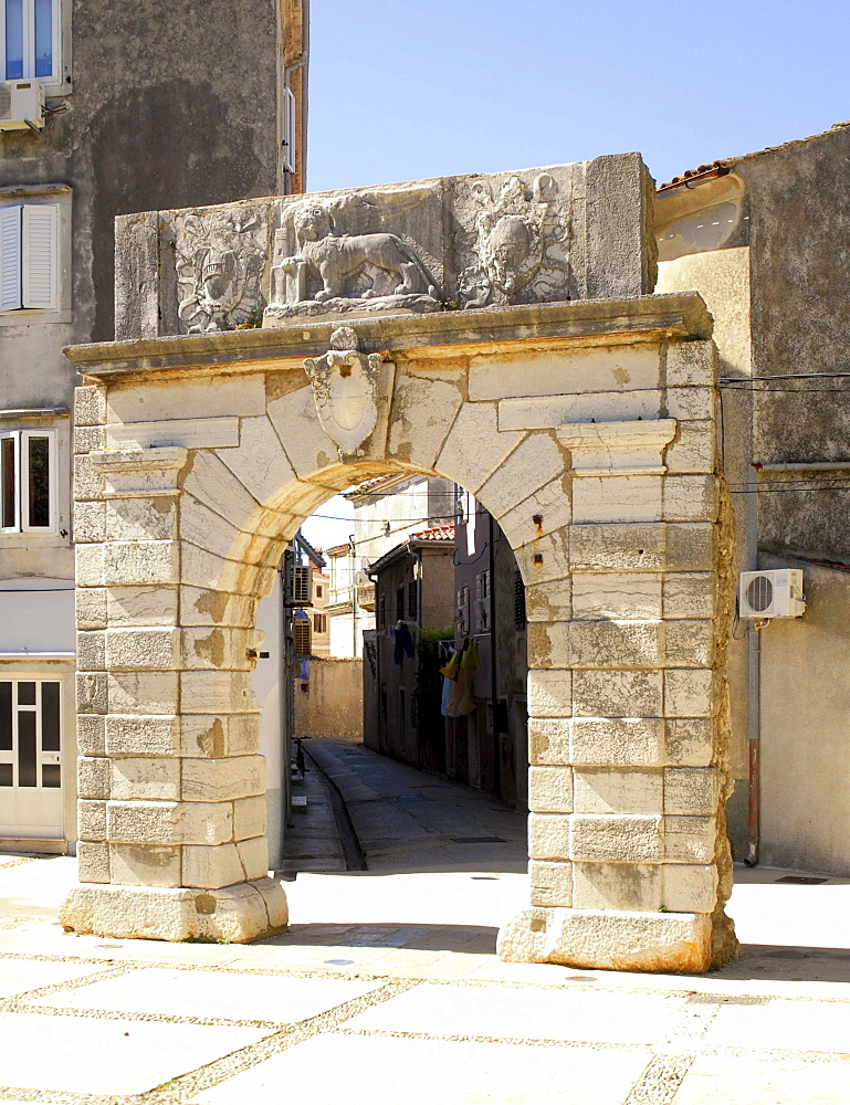 Venetian city gate of the town of Cres, Croatia, Europe