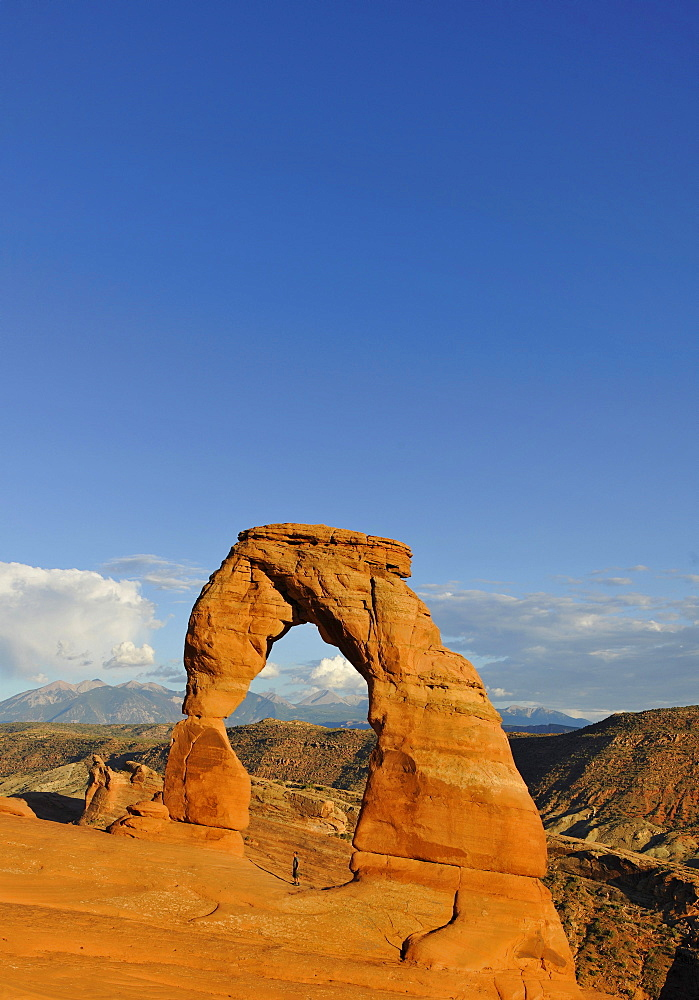 Delicate Arch, rock arch, La Sal Mountains, Arches National Park, Moab, Utah, Southwestern United States, United States of America, USA