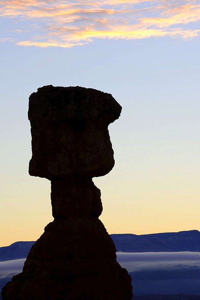 Thor's Hammer rock formation in the morning, Sunrise Point, Bryce Canyon National Park, Utah, United States, America