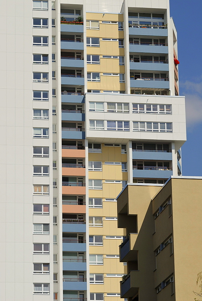 31-storey apartment building by Walter Gropius, Gropius City, satellite settlements, large housing estate, satellite town with 18, 000 homes, Neukoelln, Berlin, Germany, Europe
