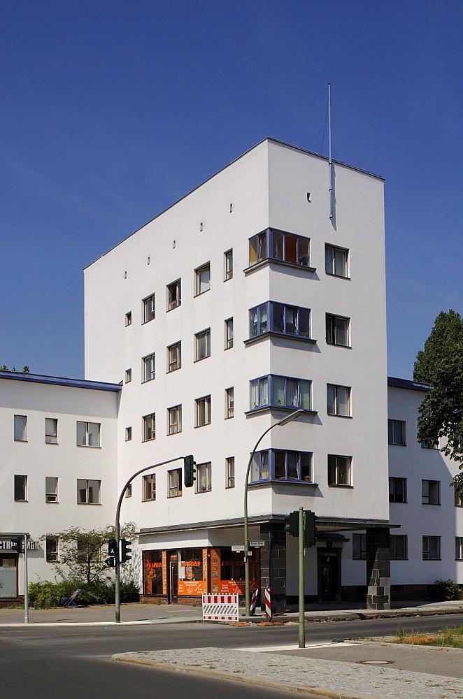 Weisse Stadt, White City, built in 1929-31 by Bruno Ahrends, Wilhelm Buening and Otto Rudolf Salvisberg, green settlement by Ludwig Lesser, Berlin Modernist Housing Estates, UNESCO World Heritage Site, Aroser Allee, Gotthardstrasse, Reinickendorf, Berlin,