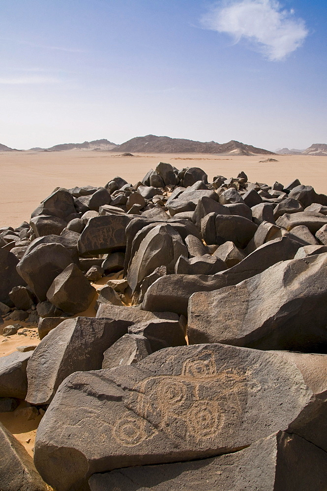 Rock carvings in Tadrat desert at Tasset, Algeria, Africa