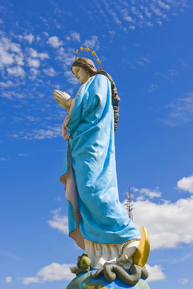 Virgin Mary Statue, Kraslavas Sveta Ludviga Romas katolu baznica, Kraslava St Ludvig Roman Catholic Church, Baznicas iela Street, Kraslava, Latgale, Latvia, Northern Europe