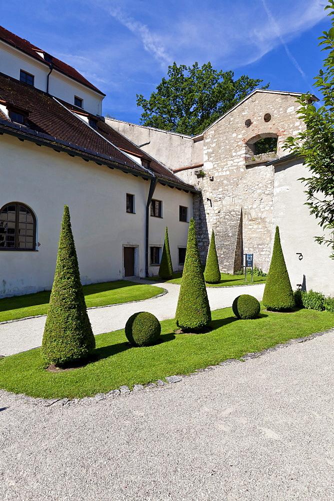 The Bastionsgarten garden, Willibaldsburg castle, Eichstaett, Altmuehltal, Upper Bavaria, Bavaria, Germany, Europe