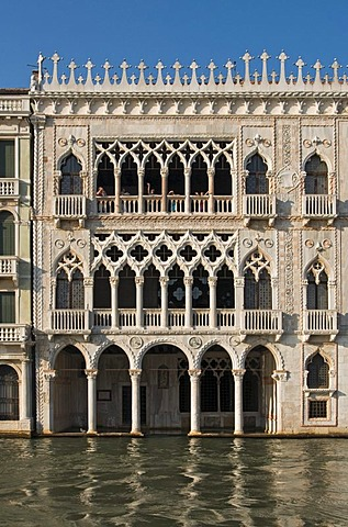 Gothic Ca' d'Oro Palace, Palazzo Santa Sofia, built in 15th century by architect Bartolomeo Bon, Grand Canal, Cannaregio District, Venice, Veneto, Italy, Europe