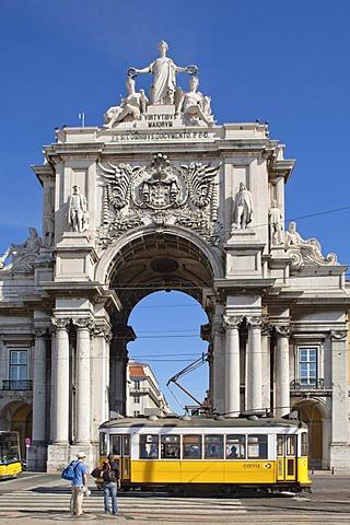 Arco Triunfal, triumphal arch, Praca do Comercio square, Lisbon, Portugal, Europe
