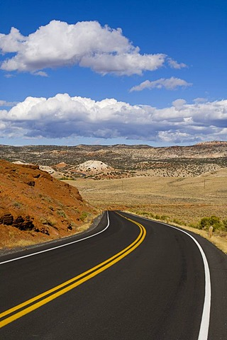 Road, Bighorn Canyon National Recreation Area, Wyoming, USA, America