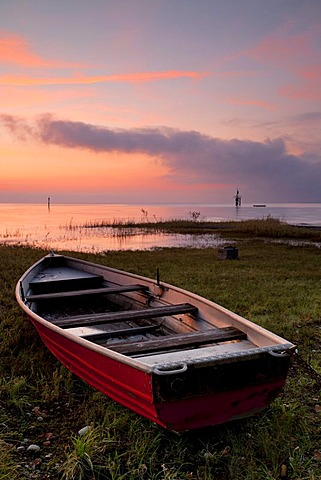 Sunrise at Hoernle with a rescue boat, Lake Constance, Konstanz, Baden-Wuerttemberg, Germany, Europe