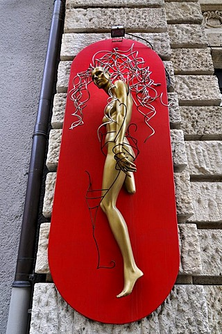 Naked woman's figure as a publicity stunt for the Lippert's Friseure hairdressers, Lenbachplatz 3, Munich, Bavaria, Germany, Europe