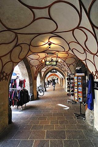 Arcades, Herzog-Friedrich-Strasse, Innsbruck, Tyrol, Austria, Europe