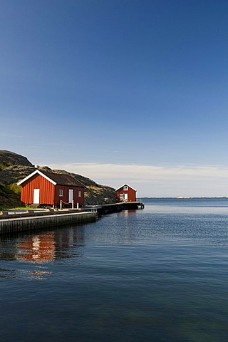 Houses by the water near Smoegen, Bohuslaen, Sweden, Scandinavia, Europe