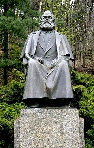 Statue of Karl Marx, Karlsbad, Karlovy Vary, Czech Republic, Europe