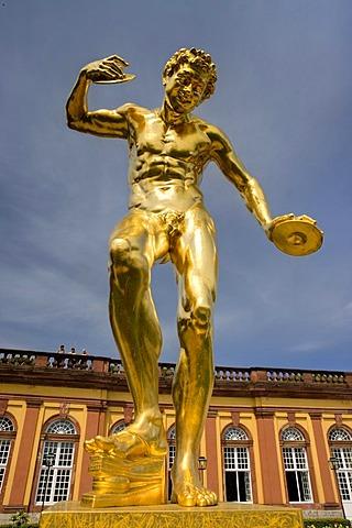 Cymbal player, gilded lead sculpture, Orangerie parterre, Schloss Weilburg Castle, Weilburg an der Lahn, Hesse, Germany, Europe