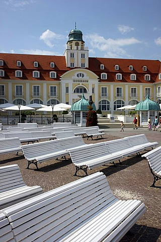 Spa hotel and promenade in the seaside resort and spa town of Binz, Ruegen island, Mecklenburg-Western Pomerania, Germany, Europe