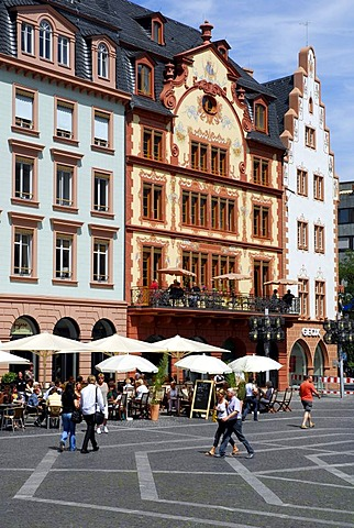 Houses at the Marktplatz square, old town, Mainz, Rhineland-Palatinate, Germany, Europe