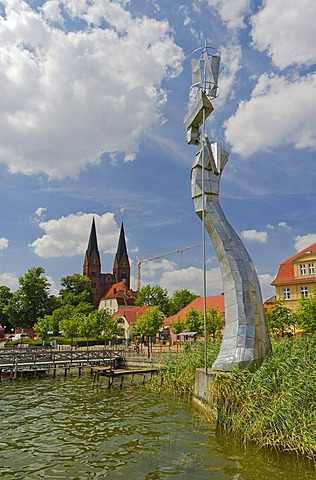 Parzival statue, a sculpture made of stainless steel created by Matthias Zagon Hohl-Stein, located on the Neuruppin Bollwerk rampart, Neuruppin, Brandenburg, Germany, Europe