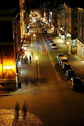 Night life on the Rue Saint Jean in the historic old town of Quebec City, Quebec, Canada