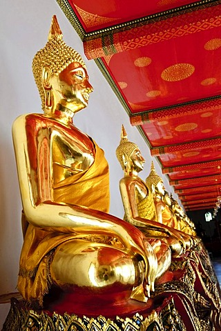 Largest collection of Buddha statues, Wat Pho, Bangkok, Thailand, Asia
