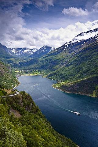 fjord og bælte stoya pornostjerne