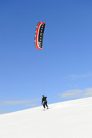 Snowkiting, snowkiter, Black Forest, Baden-Wuerttemberg, Germany, Europe