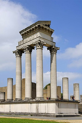 Hafentempel, temple of the harbor, reconstruction, Archaeolgical Park Xanten, North Rhine-Westfalia, Germany, Europe