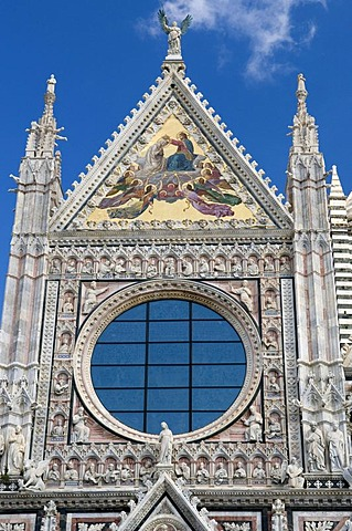 Facade on the Duomo Santa Maria Assunta Cathedral, Siena, Unesco World Heritage Site, Tuscany, Italy, Europe