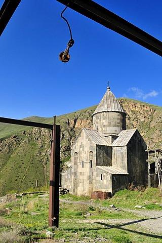 Stopped renovation works at Vorotnavank monastery, Vorotan Valley, Armenia, Asia