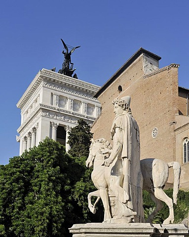 Dioscuri statue front of the church of Santa Maria in Aracoeli on Capitol Hill and the Monumento Nazionale a Vittorio Emanuele II or National Monument of Victor Emmanuel II, Rome, Lazio, Italy, Europe