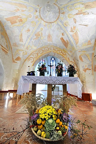 Thanksgiving bowl in front of the altar of the parish church of St. Peter am Moos, frescoes ca. 1250, near Muthmannsdorf, Lower Austria, Austria, Europe