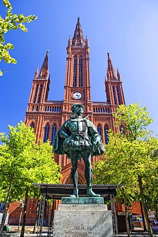 Marktkirche church with the statue of William I, Prince of Orange, Count of Nassau, Wiesbaden, Hesse, Germany, Europe